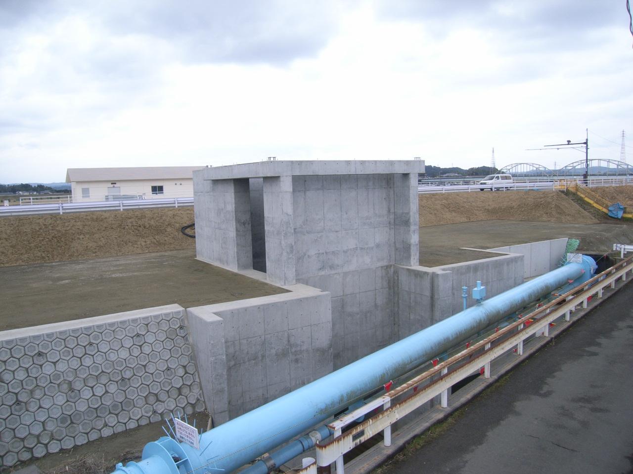 五十鈴川排水ポンプ設置工事